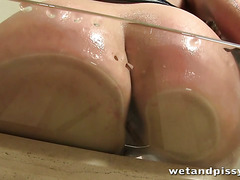 Beth Gapes Her Pussy And Pees