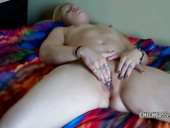 Raunchy housewife Lisa uses her fingers to bang her wet pussy and make herself cum hard