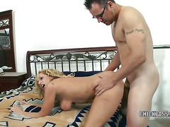 Mature blonde Samantha gets her loose pussy fucked and her face covered with cum