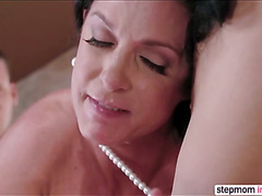 Sara Luvv and bf joined by hot MILF India Summer in threesome action