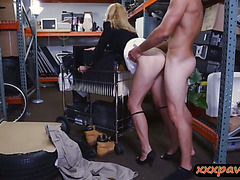 Hot milf pawns her pussy at the pawnshop