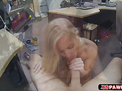 Horny hottie chick wanting to be fucked