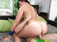 Huge ass bitch Nikki Lavay pussy banged by throbbing dick