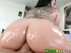 Whore Casey Cumz gets her asshole ripped by throbbing cock