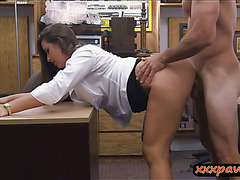 Big butt babe pawns her twat and rammed at the pawnshop