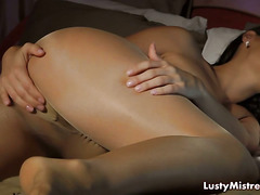 Landlord Spies On Sexy Brunette