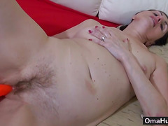 Old pussy needs to be fucked