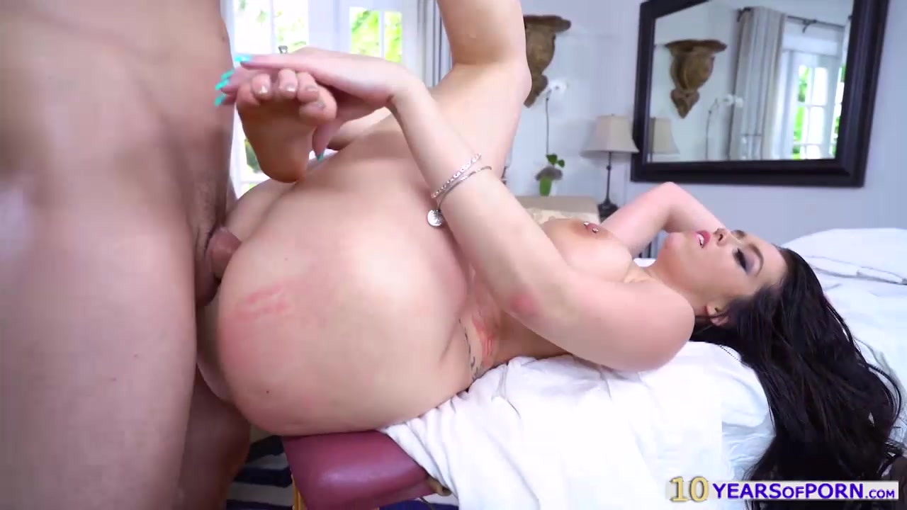 huge boobs and booty hottie ryan smiles fucked after massage