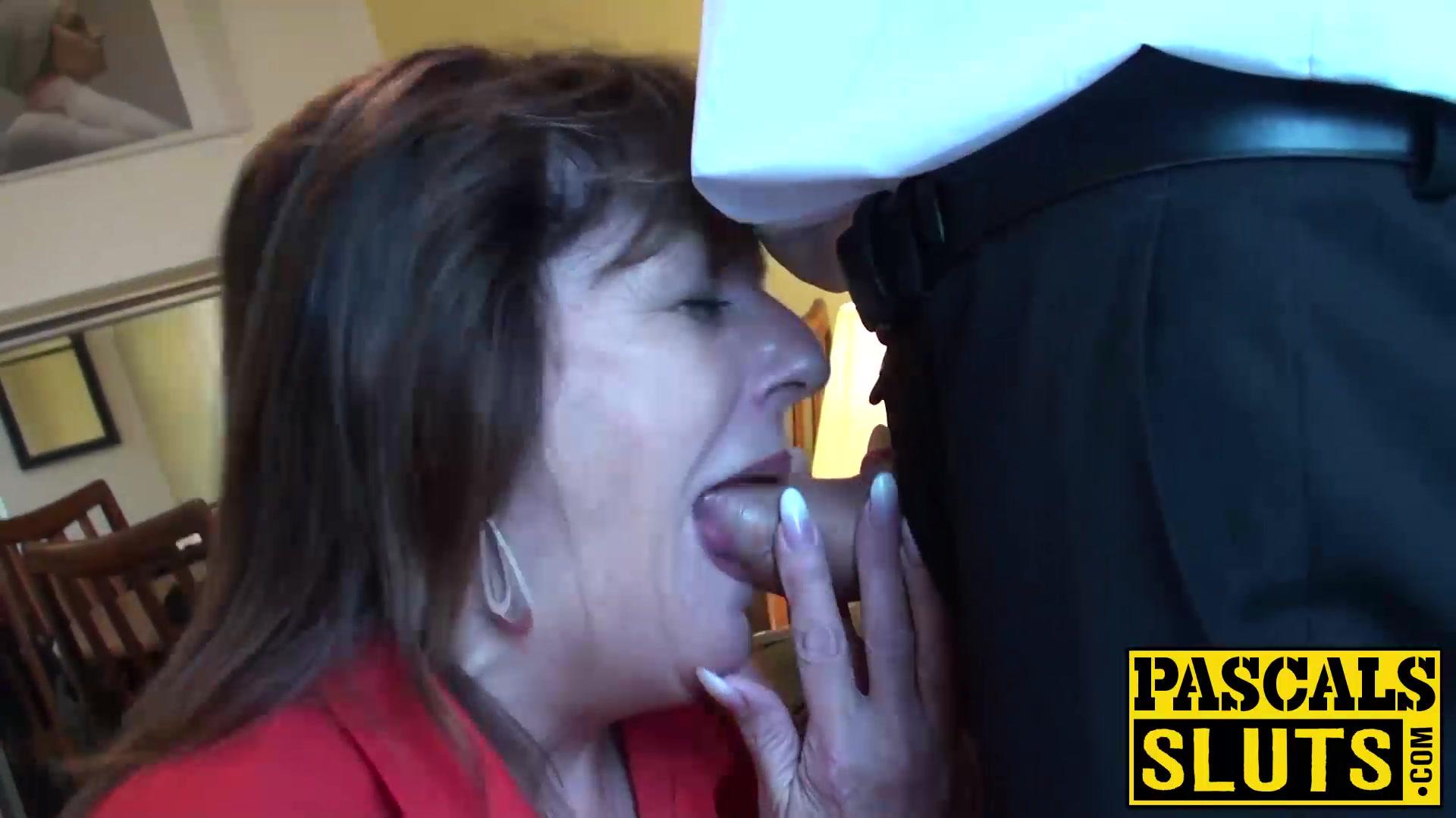 Divorced mature lady pandora enjoys having submissive sex 3