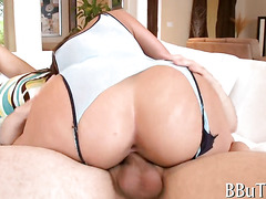 Her wet pussy gets nailed