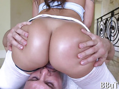 Beauty banged in analhole