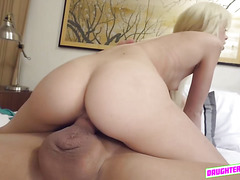 Sweet hot chick Elsa Dream wanted to be fucked