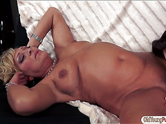 Angelina Brill licks a hairy mature pussy before shes licked