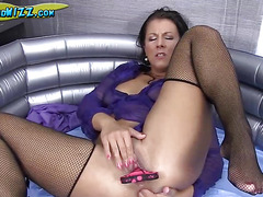 Kylie Likes Pissing And Anal Fingering