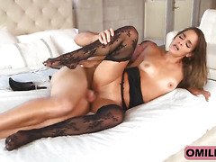Gorgeous MILF Bobbi Rydell Spreads Legs And Gets Fucked
