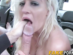 Horny Sienna fucks her favorite taxi driver on the backseat