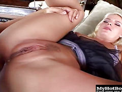 Missy Monroe is the queen of sluts.  She sure loves doing all