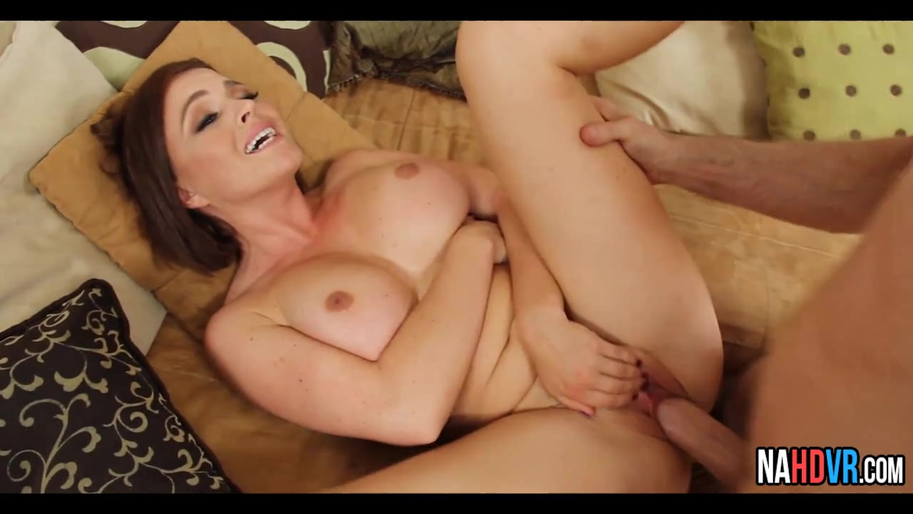 Hot Babe Fucked Carried