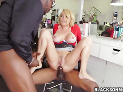 Horny sexy chick Krissy Lynn getting wild for large dick