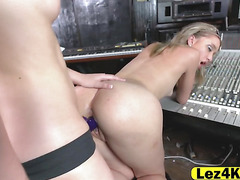 Aurora bangs Tali mouth and pussy with strap on
