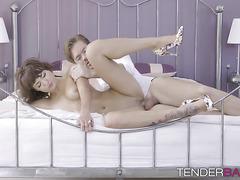 Hunk drills his sensual girlfriend Suzy Rainbow passionately
