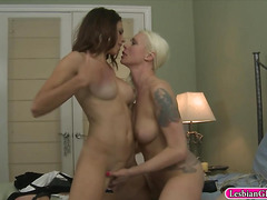 Lorelei Lee roped up Eva Long and make out on the bed