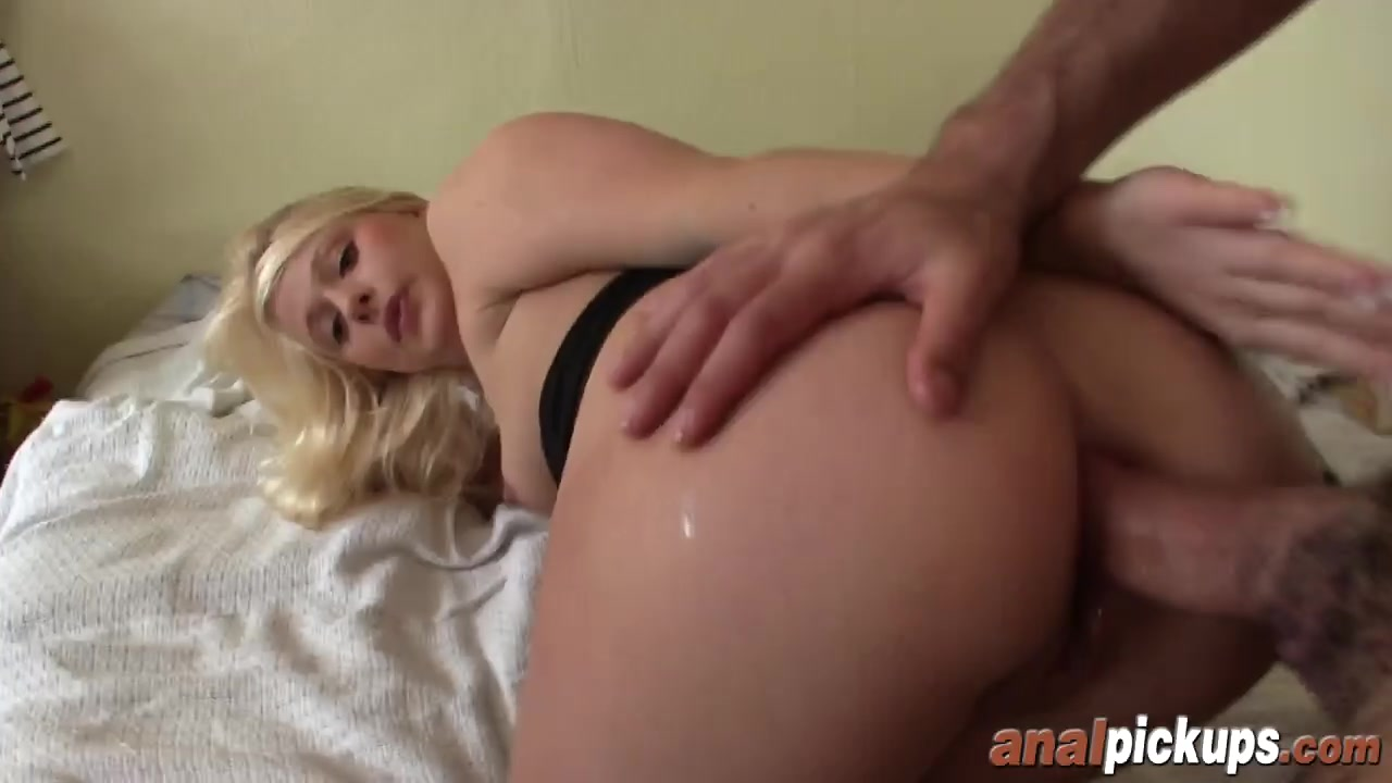 Delicious Knockered Blonde Gives A Blowjob To A Cock