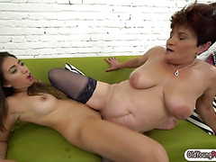 Latin hottie Frida Sante licks granny Dolly Bees pussy n ass