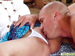 Quinn Wilde worships and blowjob Sean Lawless cock