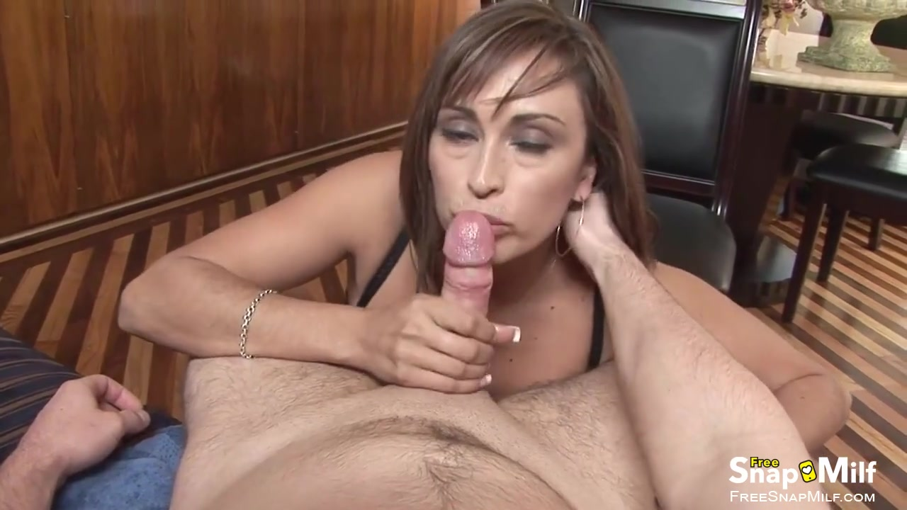 Milf sucks cock tube