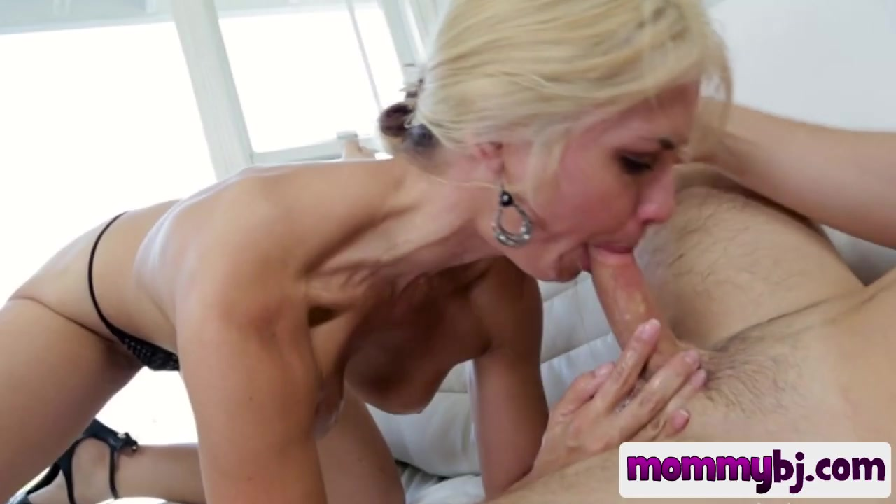 Milf naked in action
