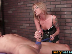 Nasty Massage From a Hottie