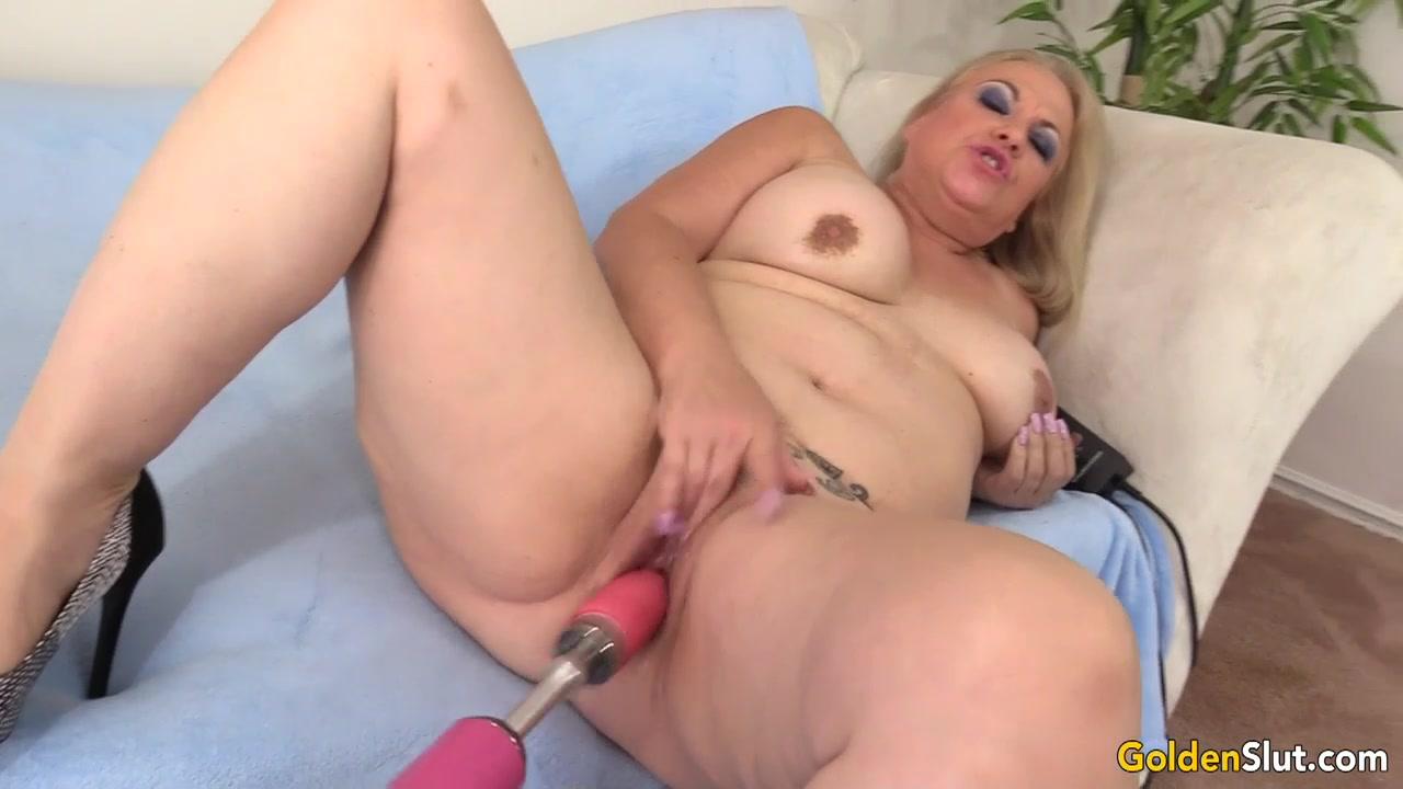 Horny mature women fucking