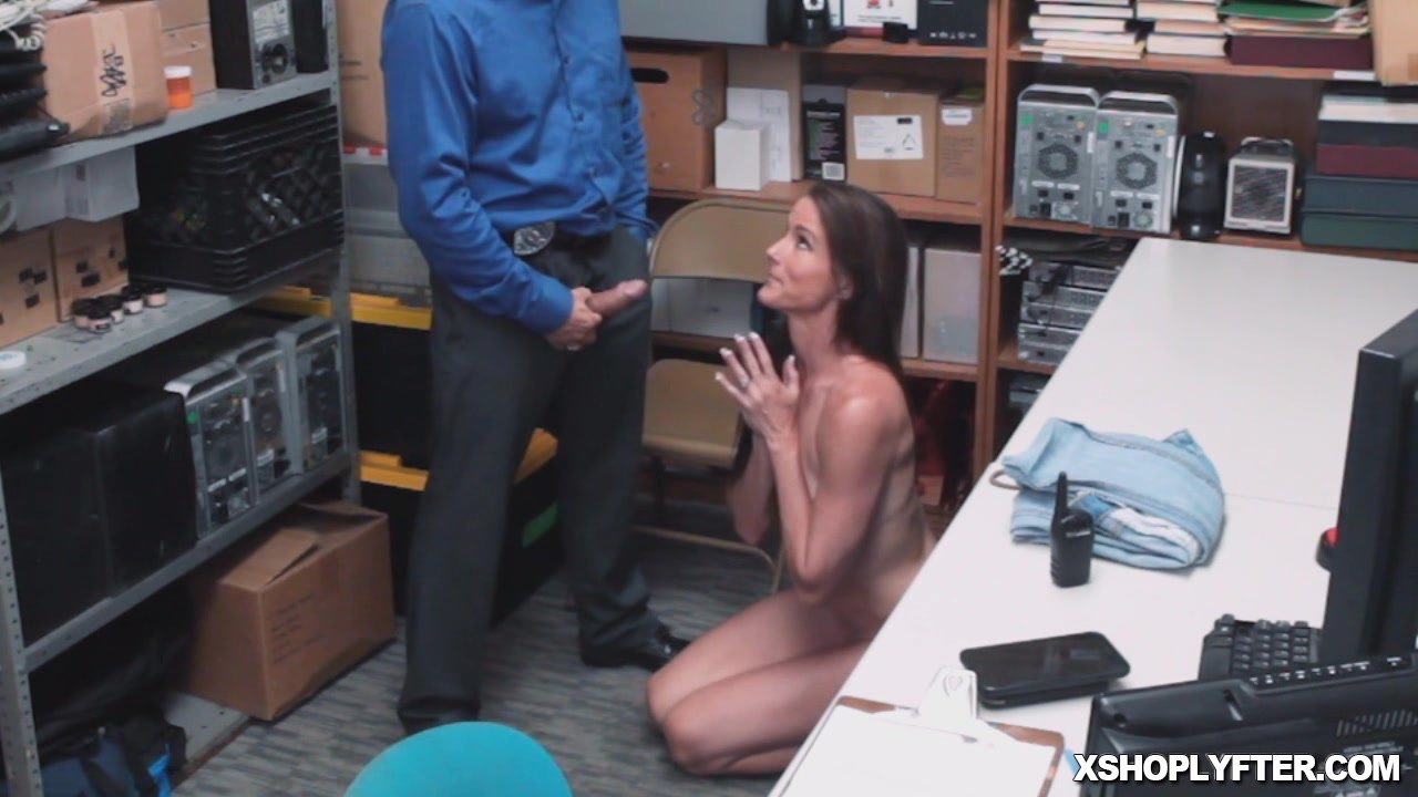 Mature fucked good in the office