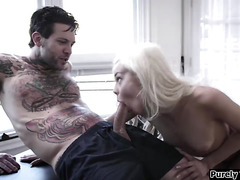 Shy stepsis rubs on stepbros jerkoff and goes in to suck him