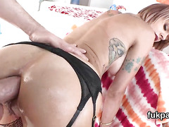 Perfect babe flaunts big butt and gets ass hole reamed