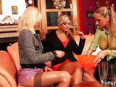 WAM threesome with nasty lesbos licking ass
