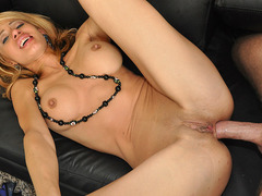 Huge boobs girlfriend Jandi Jennis tries out anal sex and facialized