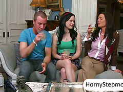 Horny MILF Veronica Avluv and Jenna Ross hot fun trio