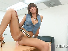 Sucking cock is milf's forte