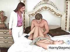 Redhead MILF Syren DeMer and blonde Jessie Volt awesome 3way
