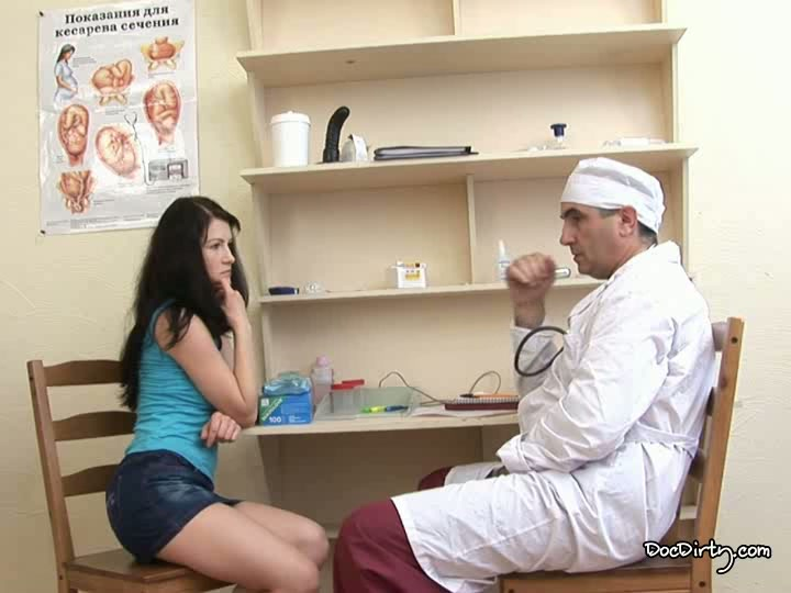 ginekolog-trahaet-patsientku-skritaya-kamera