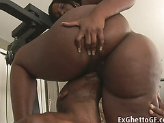 Big ebony woman gets her fat cunt fucked in the gym by a ripped black guy