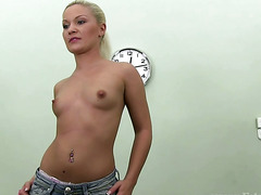 Euro amateur fingered during casting call in HD