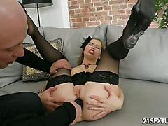Anal training of Suzanna Scott