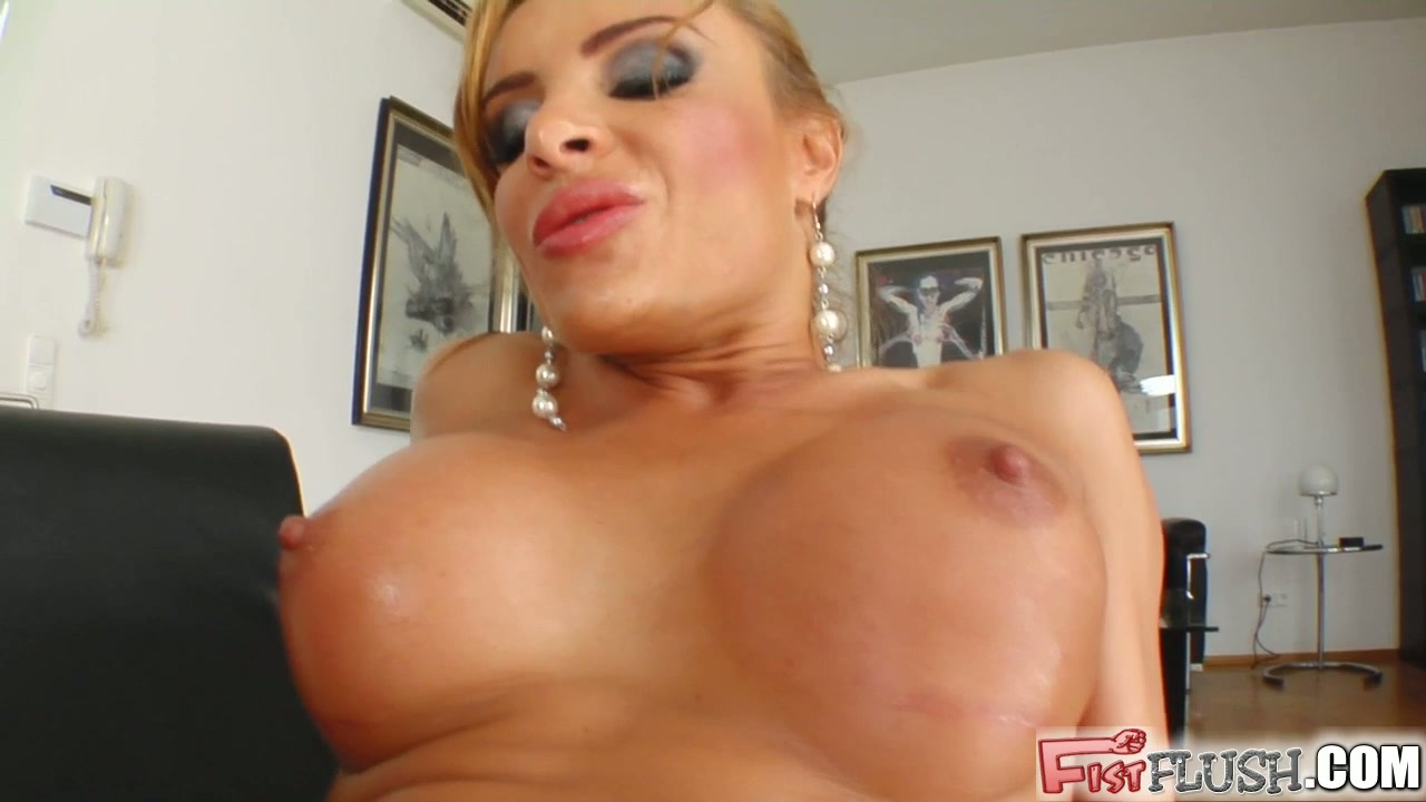 titty fuck, pussy fuck and creamed titties!
