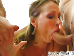 Skilled brunette has orgasm while double penetrated