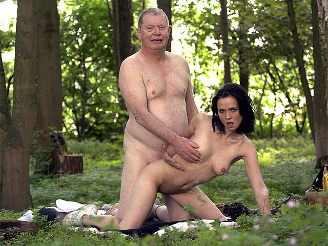 Порно в лесу со старым 46294 фотография