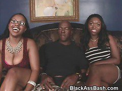 Black Girls With Big Booties Sucking Dick In Threesome