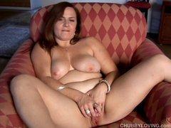Beautiful big tits BBW gives a great blowjob